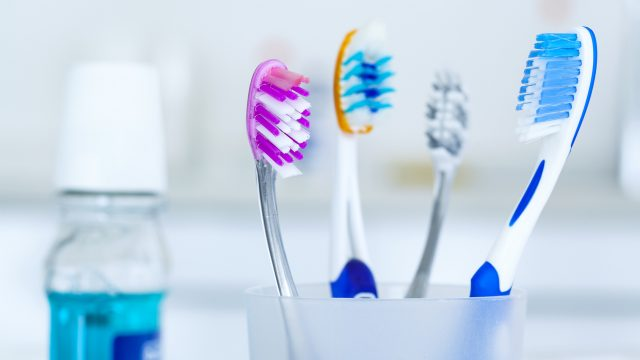 How to Pick the Right Toothbrush